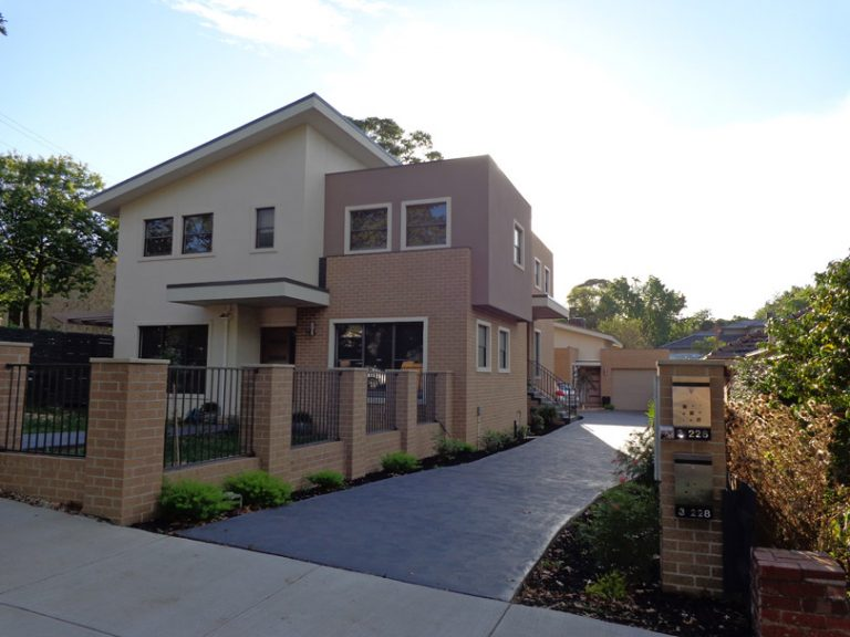 Box Hill South (Three Townhouses)