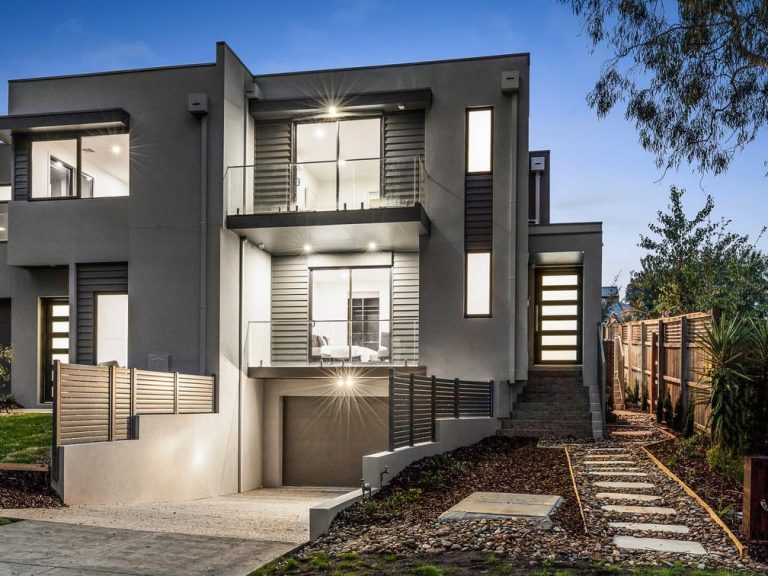 Templestowe-Outside-front-crop